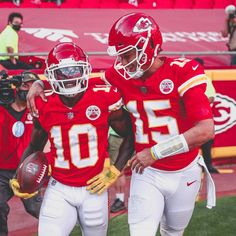 Kc Football, Nfl Football Players, American Football, Football Helmets, School Football, Chiefs Wallpaper, Chiefs Super Bowl, Kansas City Chiefs Football, Most Popular Sports