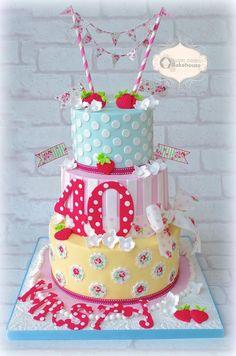 www.cakecoachonline.com - sharing....40th Birthday Cake
