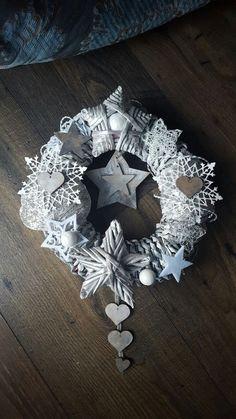 Christmas Stellar Wreath by TreeArtDesign on Etsy