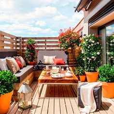 Share Gorgeous Small Balcony Design Ideas With Beautiful Garden – Whether your apartment contains a massive patio or a cozy balcony, there's a means… Balcony Design, Patio Design, House Design, Roof Terrace Design, Design City, Window Design, Small Balcony Garden, Small Terrace, Balcony Gardening