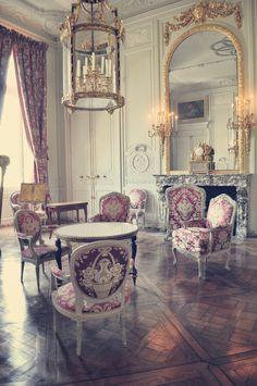 vivelareine: Chateau de Versailles - Petit Trianon by ~dounyashka