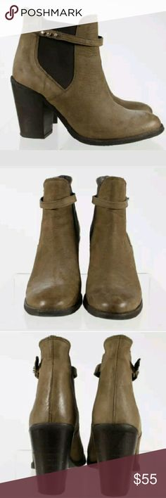 Kurt Geiger CARVELA ,leather boots as 38 Leather ankle boots by Kurt Geiger. 2 tone in Brown's/tan. Size 38. Excellent pre owned. Very light to no wear, No major damage. These are great boots, wish they fit. Kurt Geiger Shoes Ankle Boots & Booties