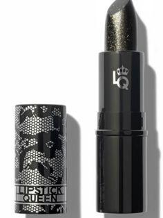 Lipstick Queen,  de Sephora, es la creadora de este producto,se puede aplicar directamente sobre los labios (el tono resultante depende del pH de tu piel) o sobre tu barra de labios elegida para potenciar el color
