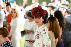 Jenny Joseph, Races Style, Red Hat Society, Lady In Waiting, Races Fashion, Pink Hat, Red Hats, Red Purple, Couture Fashion