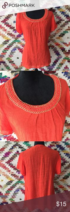 SPENSE BRAND WOMEN'S TOP Snag this amazing orange/red color blouse with gold chain detail on the collar. Size L. 60% rayon 40% polyester. Spense Tops