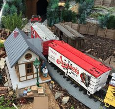 Apple Valley Model Railroad Club – Hendersonville, North Carolina - Atlas Obscura Dream Vacation Spots, Dream Vacations, Nevada Ghost Towns, Pisgah Forest, Western North Carolina, Road Trip Destinations, Free Museums, Historical Landmarks, Round House