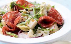 Pastasalade met Ardense salami en abdijkaas - Libelle Lekker Tasty Dishes, Salad Recipes, Spinach, Bbq, Cabbage, Good Food, Vegetables, Healthy, Foodies
