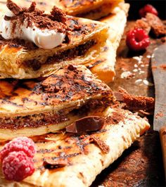 From finger-licking sticky pork ribs to chocolate braai pie for dessert, there's a recipe that will please any fussy palate. Braai Pie, Sticky Pork Ribs, Easy Desserts, Dessert Recipes, Quiche Muffins, Low Carb Quiche, Malva Pudding, Fussy Eaters, Melting Chocolate