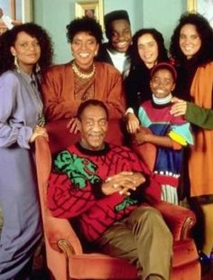 Cosby show met de bekende Bill Cosby truien en de oversized colberts. Great Tv Shows, Old Tv Shows, Movies Showing, Movies And Tv Shows, Real Tv, The Cosby Show, Star Actress, My Black Is Beautiful, Beautiful Family