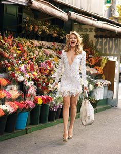 Kate Hudson. This picture makes me want to go to the market dressed like I'm ready for a cocktail party in the center of Manhattan.