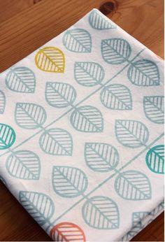 Scandinavian  Nordic Style Leaf Repeat Pattern Water Bubble Washing Cotton 1/2 Yard