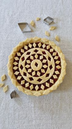 Linzertorte mal anders Linz cake with a difference Vegan Pie Crust, Pie Crust Recipes, Beautiful Pie Crusts, Pie Crust Designs, Pie Decoration, Pies Art, Pie In The Sky, Sweet Pie, Pie Dessert