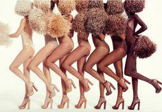 """Quando lançou sua primeira coleção de sapatos nudes em 2013, o designer Christian Louboutin definiu perfeitamente o """"espírito da coisa"""", ao explicar que 'nude não é uma cor, mas sim um conceito'. Na época, 5 tons de um único modelo de sapato foram lançados. De lá pra cá, a marca adicionou alguns itens ao seu seleto catálogo, co..."""