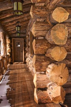 Rustic elegance re-defined in a Big Sky mountain retreat Log Cabin Living, Log Cabin Homes, Cabins In The Woods, House In The Woods, Rustic Elegance, Modern Rustic, Architecture Design, Rustic French Country, Timber House
