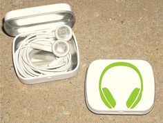 """Brilliant! Reusing an Altoid tin for those tangly earbuds! Gotta do this! Go job, Etsy lady """"tinytins""""!"""