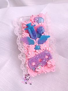 Decoden phone cases, kawaii keychains, and many more cute handmade items! Decoden Phone Case, Kawaii Shoes, Bubblegum Pink, Bubble Gum, Resin Art, Lace Trim, Princess Peach, Iphone 6, Phone Cases