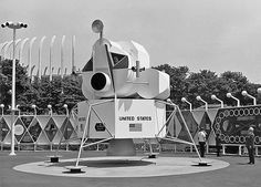 1964 ... Lunar Lander display ... From the 1964 / 65 NY Worlds Fair (and Flushing Meadow Park)