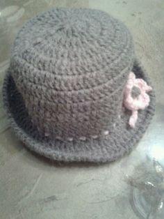 Sombrero con flor