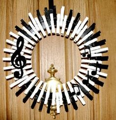 Music Wreath, Piano Keys Wreath, Musical Notes, Treble Clef, Crocheted Wreath, Quarter Note, Music Home Decor This charming music themed
