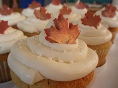 MAPLE & Walnut Cupcakes with Maple Buttercream Frosting - YUMM