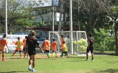 Nice holiday read from Pablo Bateson on a partnership between #JLeague club Shimizu and a #Bangkok home supporting #refugee boys.