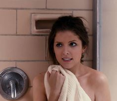 29 Struggles Everyone With A Short Attention Span Will Understand Anna Kendrick Pitch Perfect, Pith Perfect, Perfect Love, Diy Beauty, Beauty Hacks, Growing Up With Siblings, Hacks Every Girl Should Know, Ladies Day, On Set