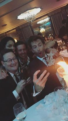 David at the TVChoiceAwards 2017 // David taking a selfie with his award is the best thing I've seen today