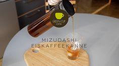 EISKAFFEE IM COLD BREW VERFAHREN: Die kalte Extraktion enthält anscheinend 90% der Geschmackselemente, doch nur 15% der Säuren. Der Koffeingehalt bleibt dabei komplett erhalten.