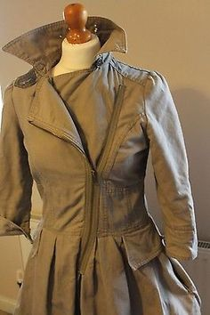Love this jacket and such a bargin, may have to place a bid!!!!  ladies-size-10-beige-dress-coat-Miss-Selfidge-M-10-12-rain-mac-detective-style