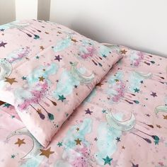 Let your little ones drift off to sleep with our gorgeous pink sky at night cot duvet cover set. Made from cotton, the density and strength of this duvet cover set is incredibly strong. Cot Bed Duvet Cover, Cot Duvet, Duvet Sets, Duvet Cover Sets, Cot Bed With Drawer, Junior Bed, Free To Use Images, Pink Sky, Kid Beds