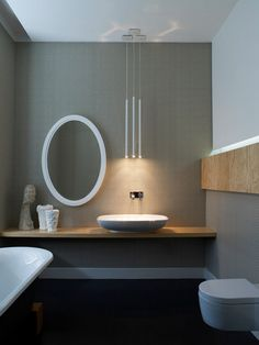 Solve the problem of water splash all over mirror. Like the offset.