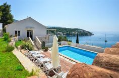 3 Bedroom Villa in Molunat to rent from £631 pw. With balcony/terrace, air con and DVD.