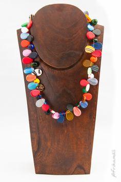 Collier de mariage peul en perles de verre. Mali