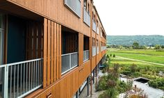 Commercial - Hôtel Germain (Baie St-Paul) The design of this hotel complex is enhanced by Maibec's genuine wood siding. Exterior Design, Interior And Exterior, Baie St Paul, Board And Batten Siding, Wood Siding, Cladding, Natural Beauty, Commercial, Architecture