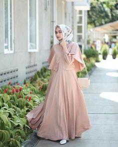 "Likes, 17 Comments - Shella Alaztha ( on ""wearing wide dress from and rawis square hijab from ❤️"" Dress Brokat Muslim, Dress Pesta, Muslim Dress, Street Hijab Fashion, Abaya Fashion, Modest Fashion, Fashion Dresses, Hijab Fashion Inspiration, Trend Fashion"