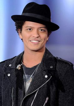 Bruno Mars Will Headline The Superbowl This Year!