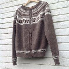 Nancy kofte, strikket i Sandnes Mini Alpakka, til bonusdatter Silje 😊