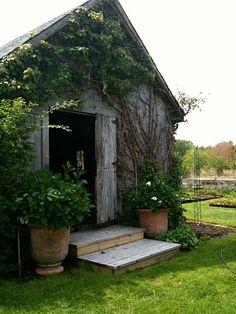 SNUG HARBOR FARM......the perfect little garden shed!
