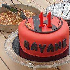 """11 mentions J'aime, 0 commentaires - les gâteaux de lydie (@les_gateaux_de_lydie) sur Instagram: """"Il y a quelques jours on fêtait les 11 ans de mon loulou... fini les gâteaux à thème 😢 cette année…"""" Birthday Cake, Desserts, Instagram, Food, Tailgate Desserts, Deserts, Birthday Cakes, Essen, Postres"""