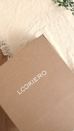 Lookiero is an online Personal Shopping service. Get your Lookiero box with clothes selected especially for you by your stylist, and only pay for what you keep. Wedding Favors For Principal Sponsors, Nude Scarves, New Outfits, Fashion Outfits, Health And Fitness Apps, Online Shopping, Travel Outfit Summer, Mode Chic, Effortless Chic