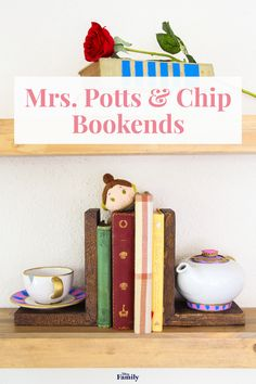 If your little ones often have a dreamy, far-off look and their nose stuck in a book, they would love these enchanted Mrs. Potts and Chip Bookends. Beauty And The Beast Bedroom, Beauty And The Beast Diy, Diy Beauty, Disney Home Decor, Disney Diy, Disney Crafts, Disney Stuff, Cute Crafts, Diy Craft Projects