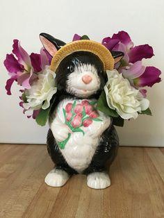Vintage Black & White Easter Bunny Rabbit Ceramic Planter w/ Artificial Flowers