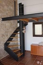 Resultado de imagen para altillos de madera #casaspequeñasinteriores