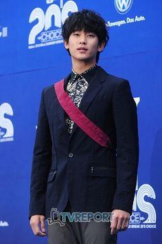 俳優キム・スヒョンが19日午前、ソウル兵務庁で身体検査を受けたことが分かった。ソウル兵務庁の徴兵検査課の関係者は19日午後、TVレポートに「キム・スヒョンが兵務庁で身体検査を受けたのは事実だ」と明ら… - 韓流・韓国芸能ニュースはKstyle