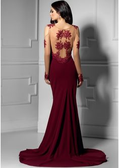 • Dress for the evening extravaganza • burgundy evening dress with transparent • Long dress with train and slit • crepe dress, embroidery and beads • The dress closes at the back with zip