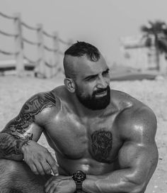 Beard Barber, Fitness Men, Muscle Bear, Big Muscles, Perfect Man, Bearded Men, Beards, Studs, Bodybuilding