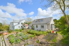 A spacious 4 bedroom detached house in Truro on a substantial plot