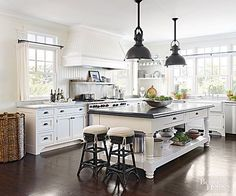Open, airy and vintage kitchen all in one!