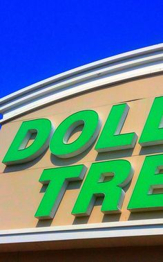 27 Useful Dollar Store Finds Every Parent Should Know About Electronics Projects, 1000 Lifehacks, Activities For Kids, Crafts For Kids, Craft Storage, Storage Ideas, Dollar Tree Crafts, Getting Organized, Dollar Stores