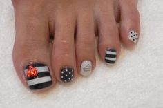 Stripy & dotted pedicure